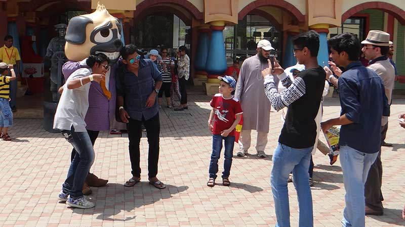 The Detective Bow Wow Show - Imagica Theme Park Rides