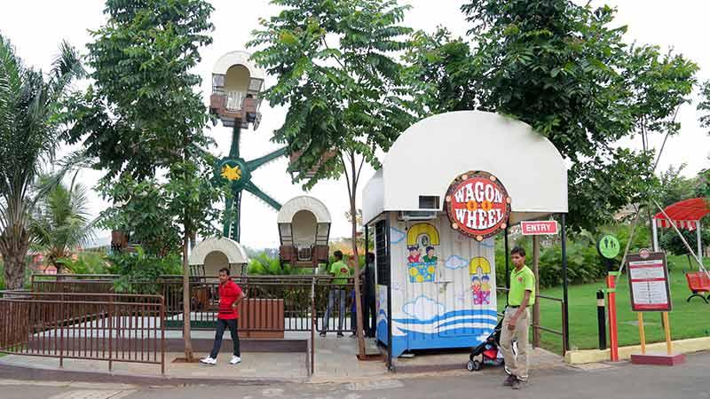Wagon-O-O-Wheel - Imagica Theme Park Rides